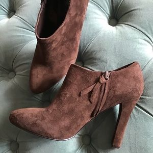 RALPH LAUREN chocolate brown suede booties heels